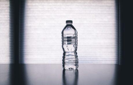 Flasirana voda - stetnost plasticne ambalaze